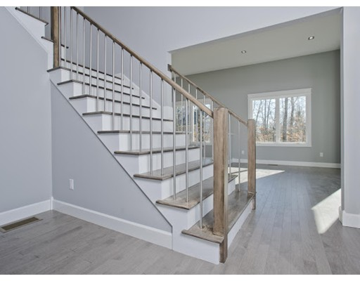 5 bed, 4 bath home in Amherst for $799,900