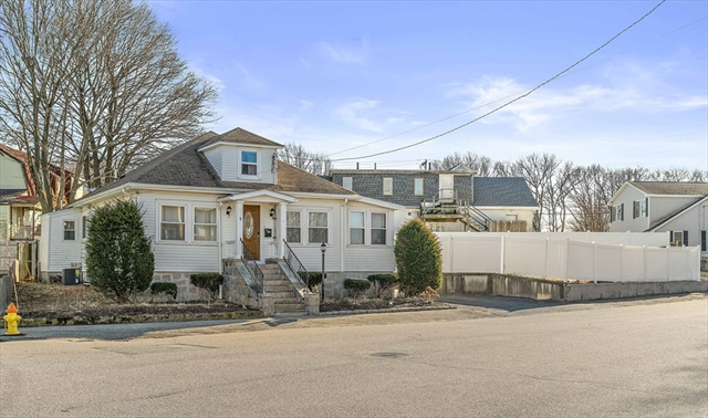 1 Pelican Road Quincy MA 02169
