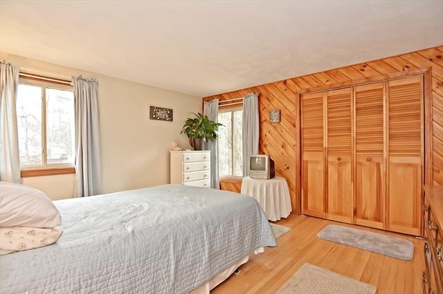 21 Pine Street Bellingham MA 02019