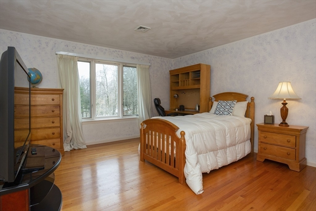 16 Stonehill Road East Longmeadow MA 01028