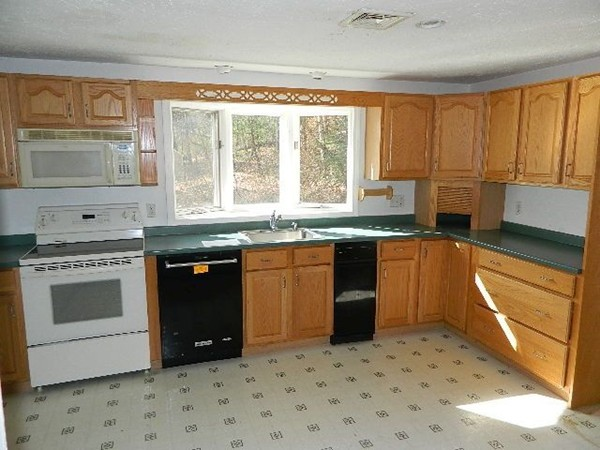 319 Plymouth Street Middleboro MA 02346