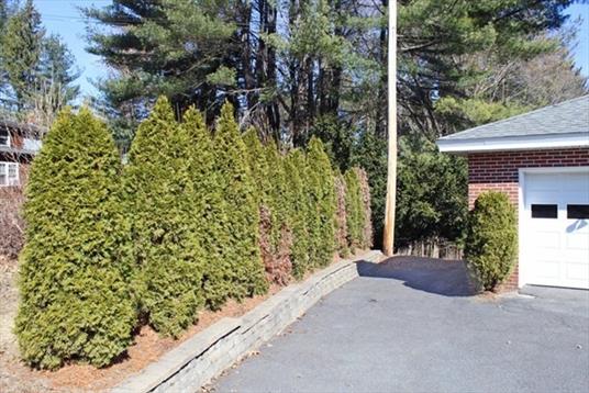 253 Shelburne Road, Greenfield, MA: $235,000