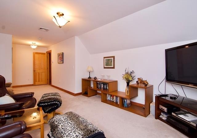 85 & 87 Marsh Hill Road Brimfield MA 01010