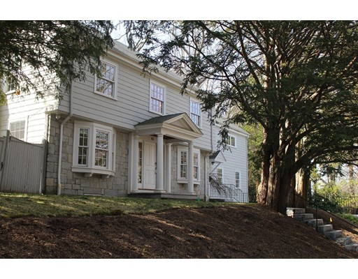62 Fairway Rd, Brookline, MA 02467