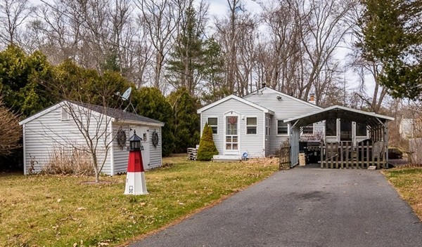 4 Cottage Lane Lakeville MA 02347