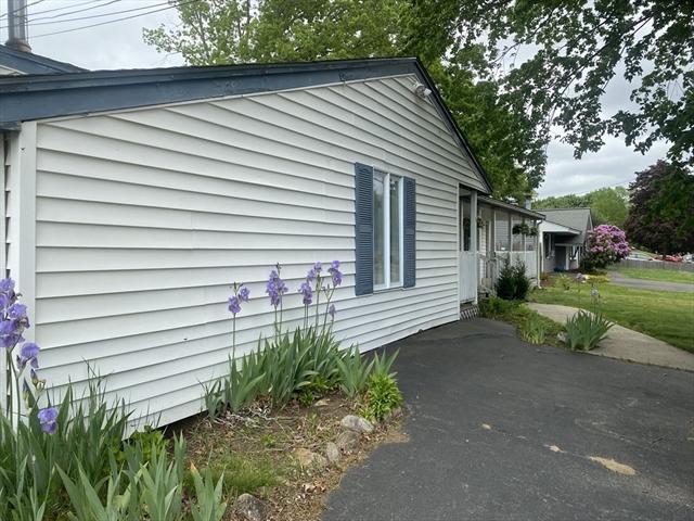 185 Caroline Drive Bellingham MA 02019