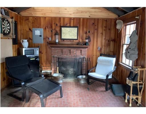 25 Boathouse Lane, Dedham, MA 02026