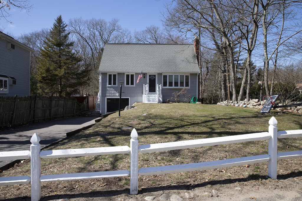 Photo of 192 Forest St Weymouth MA 02190