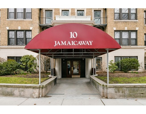 This fourth floor, front facing home in an elevator building overlooks the Jamaicaway, Leverett Pond, and Olmsted Park. It is located near the Longwood Medical Complex and many colleges and universities, and would be perfect for an end user or an investor. The large living/dining area is open and is adjacent to the eat-in, galley kitchen. There are two generous sized bedrooms with great closets, and a full bath with tub. There is a common roof deck with great skyline and water views. Assigned storage locker, bike storage, refuse room, common laundry, and professional management are some of the other amenities included. The condo fee also includes heat, hot water, water, sewer, and master insurance. The association has recently made some major capital improvements, please inquire for more information.