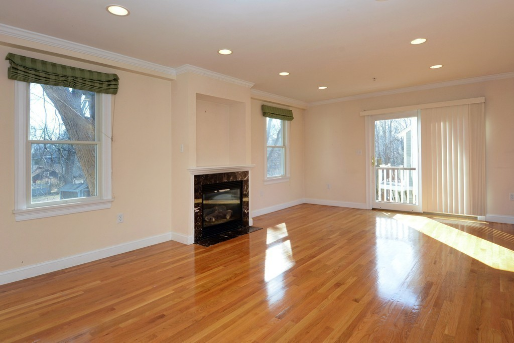 Photo of 100 Central St Ipswich MA 10938