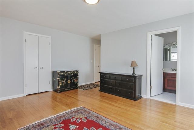 52 Laurel Lane Longmeadow MA 01106