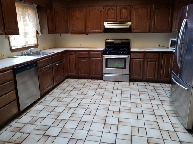 11 Hearthstone Terrace Chicopee MA 01020