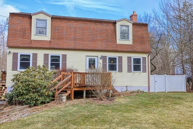 89 Hill Street Gardner MA 01440