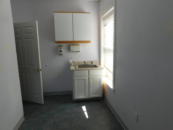 433 W Main Street Barnstable MA 02601
