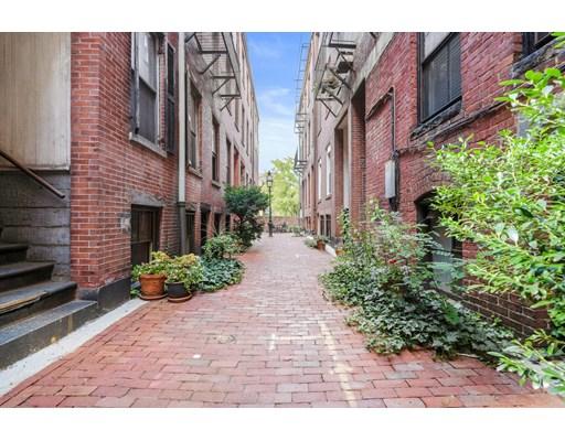 4 Goodwin Pl #1, Boston, MA 02114