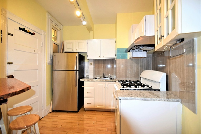 100 Linden St, Boston, MA Image 3
