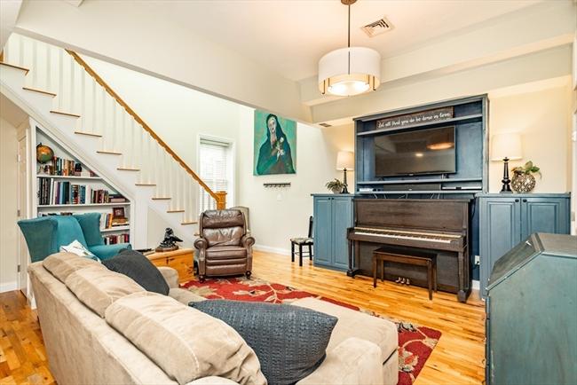 336 Saratoga Street Boston MA 02128