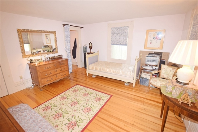 15 Common Street Petersham MA 01366