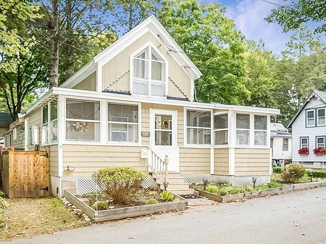 33 Mudge Avenue Hamilton MA 01982