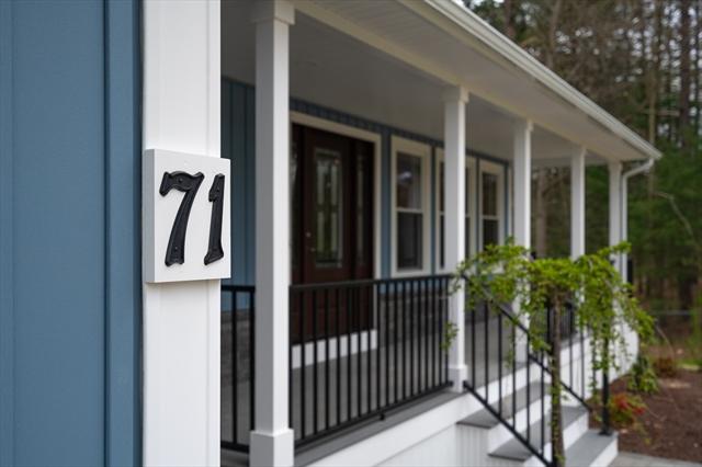 71 Division Street Easthampton MA 01027