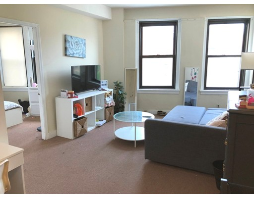 2 Beds, 1 Bath apartment in Boston, Fenway for $2,400