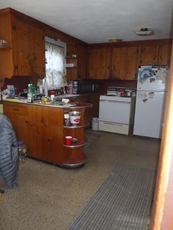 85 Broz Terrace Agawam MA 01030