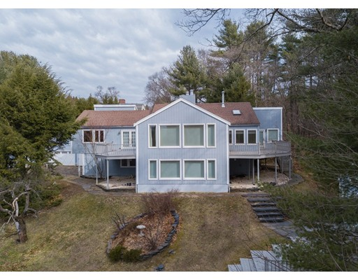 4 Beds, 3 Baths home in Amherst for $595,000