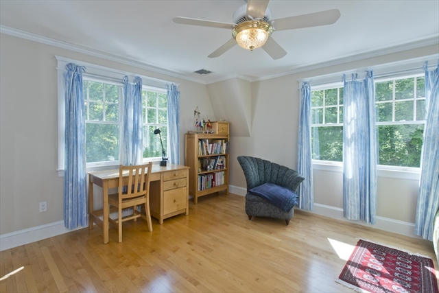 20 Thissell Beverly MA 01915