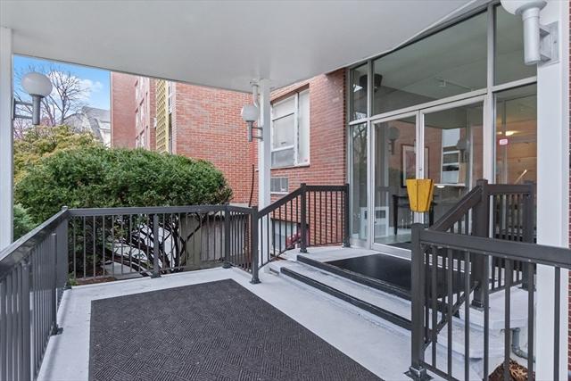 20 Hammond Pond Pkwy, Newton, MA, 02467, Chestnut Hill Home For Sale