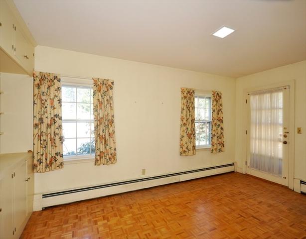 136 Barnes Hill Road Concord MA 01742