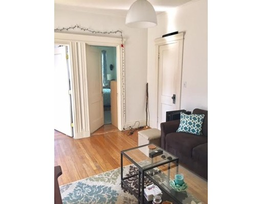 Pictures of  property for rent on Newbury St., Boston, MA 02116