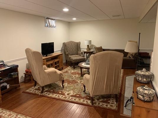 35 W Mountain Rd, Bernardston, MA: $392,000