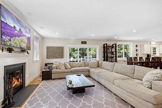 5 VILLAGE Lane Beverly MA 01915