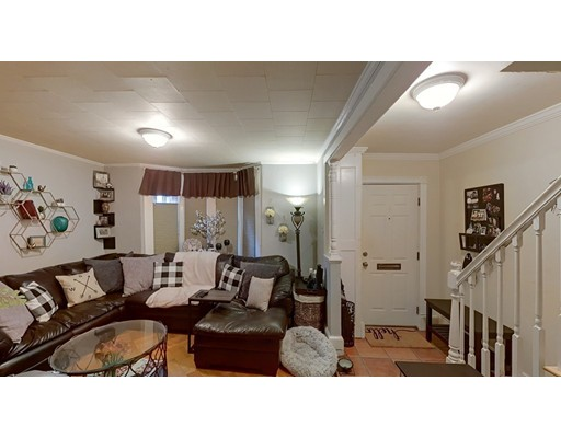 2 Beds, 1 Bath home in Boston for $478,888