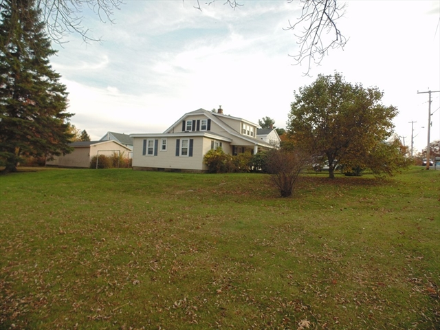 16 Russell Stage Road Blandford MA 01008