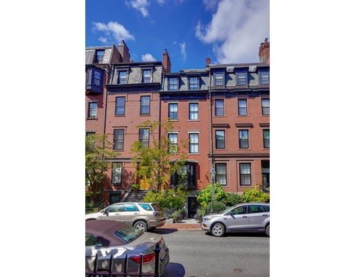 4 Beds, 3 Baths home in Boston for $6,950,000