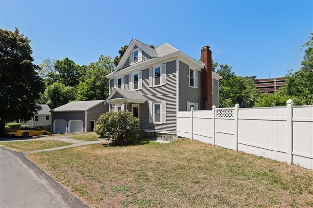 32 Brookside Street Lowell MA 01854