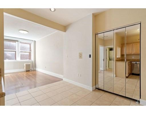 Photos of apartment on Newbury St.,Boston MA 02116