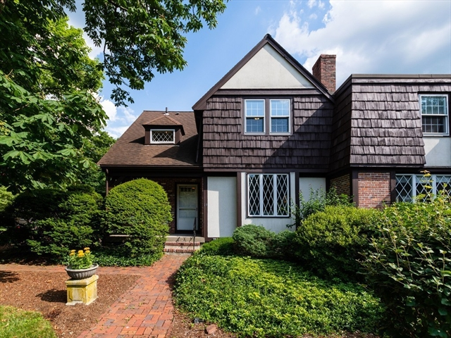 19 Brook St, Wellesley, MA, 02482, Hunnewell Home For Sale
