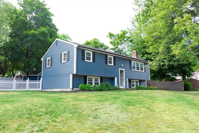 17 Haskell Road Pepperell MA 01463