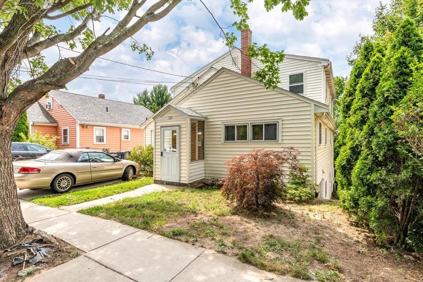 109 Leyden St, Boston, MA Image 3