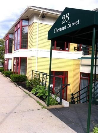 28 CHESTNUT Street Andover MA 01810