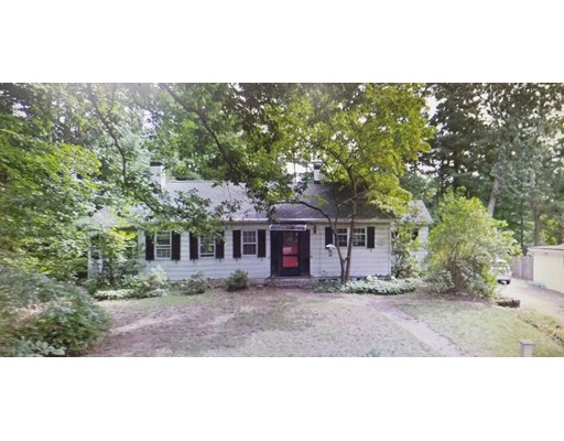 3 Meeting House Hill Rd, Dover, MA 02030