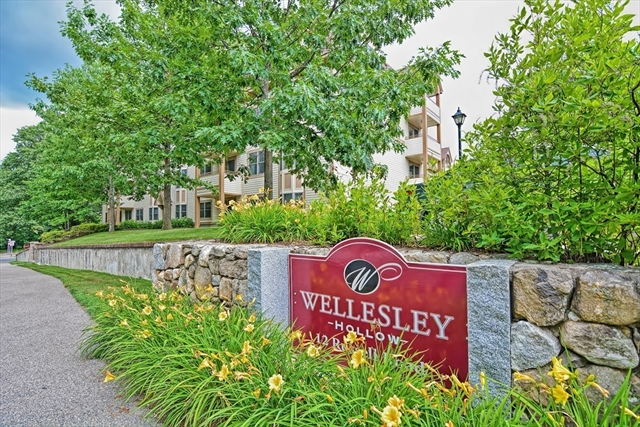 12 Russell Road, Wellesley, MA, 02482,  Home For Sale