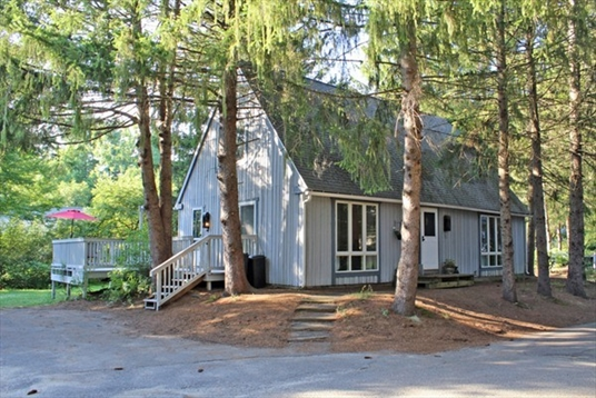 35 The Hollow, Amherst, MA<br>$298,000.00<br>0.11 Acres, 3 Bedrooms