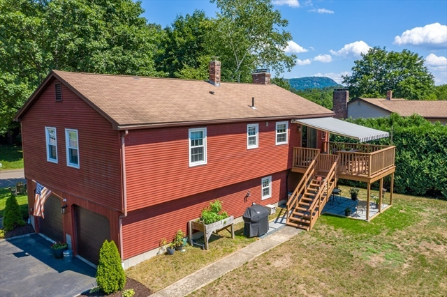 12 Robin Road Easthampton MA 01027