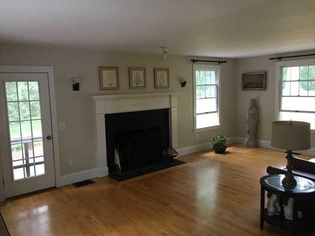 24 Crescent Avenue Plymouth MA 02360