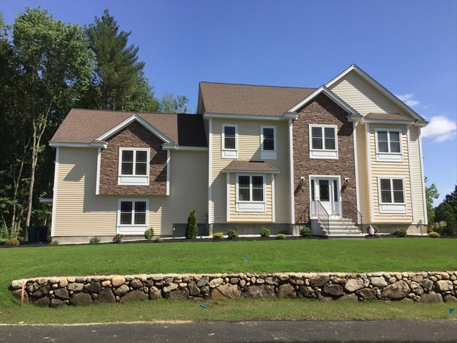 33 FIELDSTONE Lane Billerica MA 01821