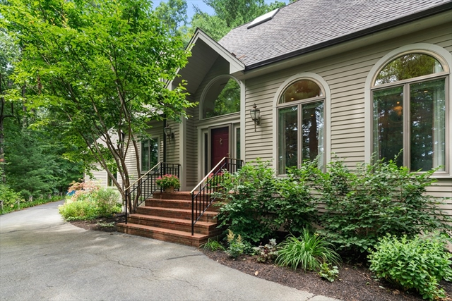 106 Great Plain Avenue Wellesley MA 02482