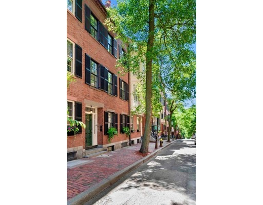 5 Beds, 4 Baths home in Boston for $5,995,000